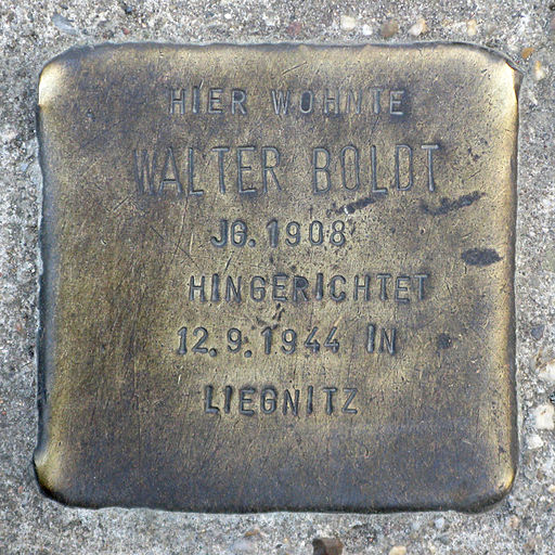 Stolperstein Walter Boldt | Stolperstein für Walter Boldt (Foto: von Paul David Doherty (User:PDD) (own work (taken with Canon PowerShot A650 IS)) [CC-BY-SA-3.0 (http://creativecommons.org/licenses/by-sa/3.0)], via Wikimedia Commons